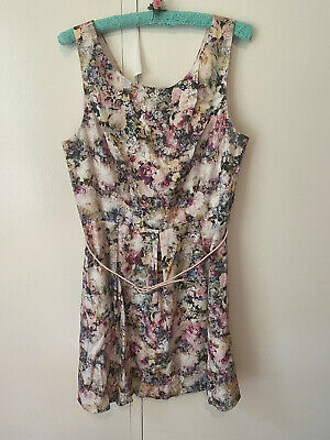 AU17 • Buy Forever New Floral Dress Size 14