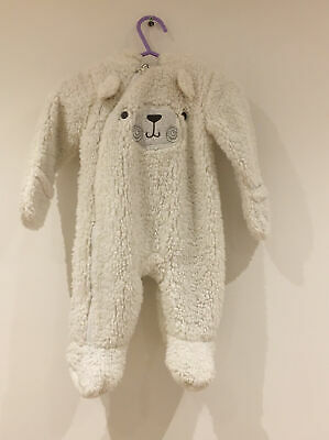 Baby Girls And Boys 0-3 Months White Fleecy Bear Print Warm All In One Pramsuit • 5£
