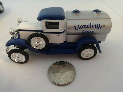 $5.99 • Buy Liberty Classics White & Blue Lionelville Diary Milk Tanker Truck - Loose & Nice