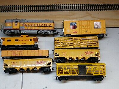 $ CDN43.67 • Buy Union Pacific 7 Car Freight Train Set. With Locomotive H.o. Scale Excellent.