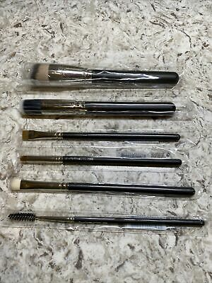 $129.99 • Buy NEW MAC Cosmetics 6 Piece Brush Set - Authentic With Sleeves