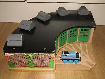 £35 • Buy Wooden Railway Thomas The Tank Engine Tidmouth Engine Roundhouse Shed's