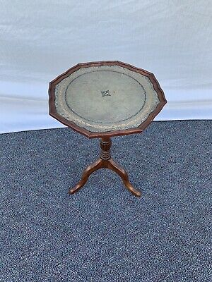 $125 • Buy Vintage Small Mahogany Side Table W/ Leather Top