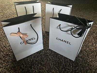£5 • Buy Chanel Gift Bag Small With Black Chanel Gift Ribbon 14 Bags