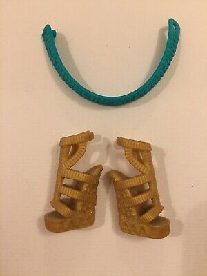 £3.50 • Buy Monster High Doll Shoes And Belt, Cleo De Nile Creepateria