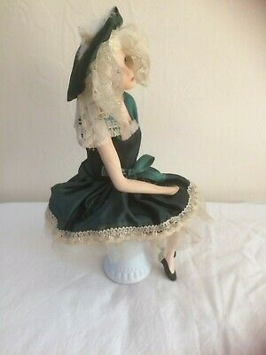 £15 • Buy 1920's  Lady In Porcelain  In Green, With Movable Parts Sat On A Ceramic Stool,
