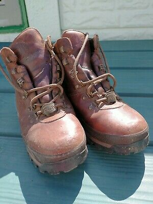 £12.50 • Buy  Brasher Hillmaster Classic Walking Boots, Air8. Size 8 Mens  Good Condition