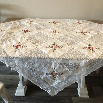 $ CDN40.28 • Buy Vintage Christmas Embroidered Tablecloth 48  Sq White Lace Red Poinsettia Blocks