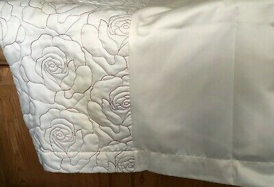 £25 • Buy Pair Of Curtains Dunelm Mills Ivory Cream Plain Patterned Red Piping - Lined