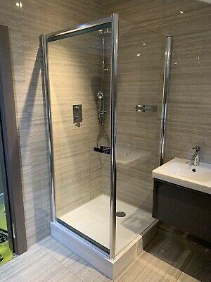 £30 • Buy Matki Shower Cubical (2 Glass Screens) ONLY
