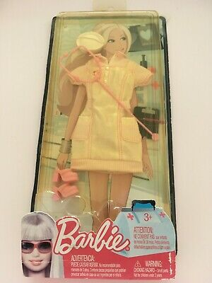 £4.99 • Buy Vintage Barbie Nurses Outfit In Box Which Is Damaged.