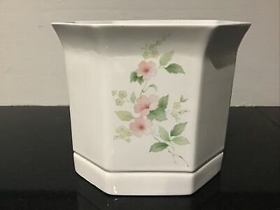£3.20 • Buy Park Rose Pottery Flower Pot Hexagonal Shape White With Pink Flowers
