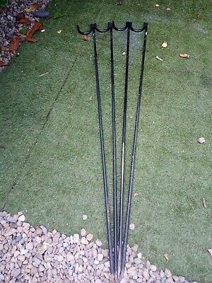 £10 • Buy Temporary Fence Stakes X4 Metal