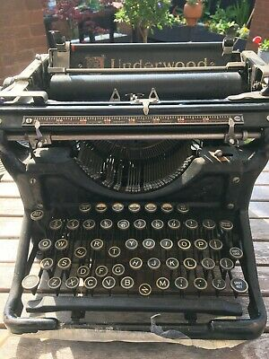 £20 • Buy Underwood  Vintage Typewriter Don't Know If It's In Working Order (clearing Out)