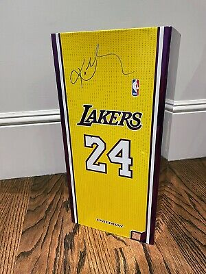 $600 • Buy Enterbay NBA Lakers KOBE BRYANT #24 And #8 Masterpiece 1/6 Scale