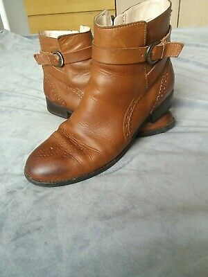 £9.99 • Buy Clarks Cushion Tan Leather Ladies Ankle Boots Size Uk 6d