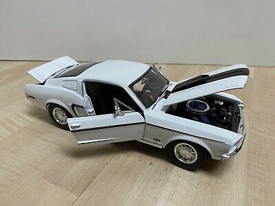 $22.99 • Buy Maisto Special Edition 1968 Ford Mustang GT Cobra Jet In 1/18 Scale Die Cast Wht