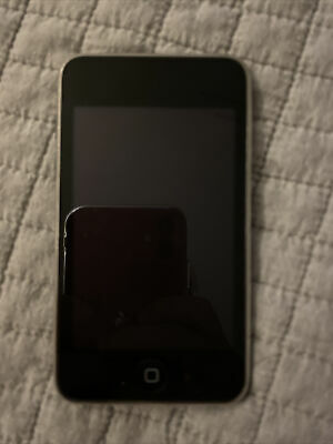 £10 • Buy Apple IPod Touch 2nd Generation 8GB- Black And Charging Cable Bundle