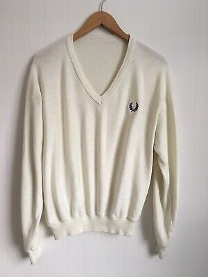 £40 • Buy Vintage Fred Perry Cream Velour V-neck Jumper Sweater Size M