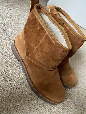 £8.50 • Buy Clarks Suede Tan Boots With Wool Lining, Size 6, Hardly Worn