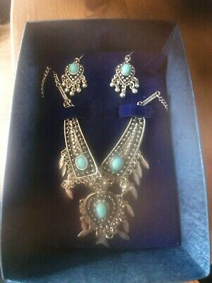 £9.99 • Buy Silver And Turquoise Necklace & Earing Set  Native American Style .Very Pretty
