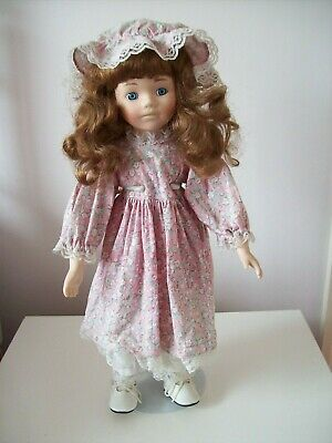 £3.50 • Buy Doll With Stand