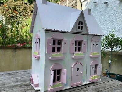 £10 • Buy Large Doll's House - Early Learning Centre