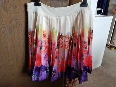 £6 • Buy Ladies Floral Pleated Skirt Size 10
