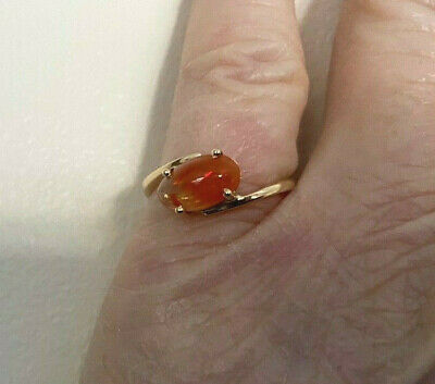 £145 • Buy 18ct YELLOW GOLD SINGLE STONE CABACHON MIXED COLOUR MEXICAN FIRE OPAL:SIZE M1/2