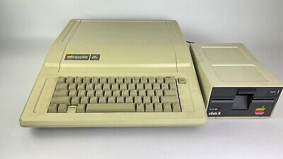 £164.53 • Buy Vintage Apple 2e Computer Model A2S2064 With 1 Apple Disk II Drive Untested