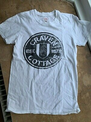 £4 • Buy White T-shirt With Fulham Football Club Craven Cottage Logo. Size Small Adults.