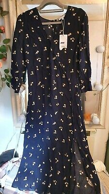 £6 • Buy Brand New With Tags Warehouse Flower Print Button Front Dress Size 12