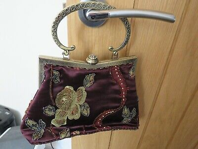 £5 • Buy LEKO OF LONDON. BEADED EVENING BAG.     CHAIN STRAP Is MISSING