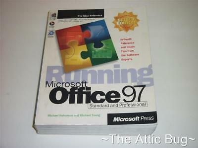 Running Microsoft Office 97 Standard And Professional ~ Book • 19.99£