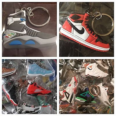 30 Jordan, Yeezy, Lebron, Misc. Shoe Keychains + FREE GIFT - Random Picked By Us • 35$
