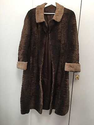 Vintage Ceresa Ladies Coat In Persian Lamb Skin - Couture Italian 1920s • 225£
