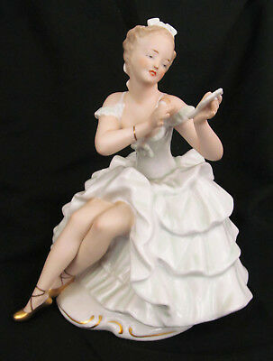 $ CDN172.54 • Buy Wallendorf Porcelain Lady With Powder Puff & Mirror Primping Makeup Figurine