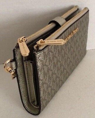 9d904168cbd2 New Michael Kors Jet Set Travel Double Zip Wristlet Wallet PVC Metal Pale  Gold • 70.00