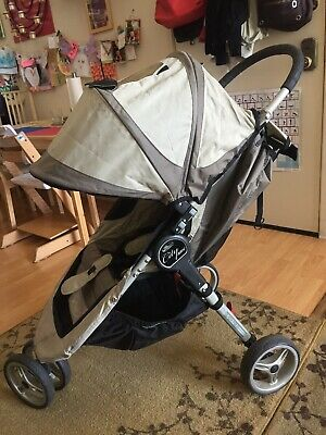 $245 • Buy Baby  City Mini Black/Gray Jogger Single Seat Stroller With Accessories,Bassinet