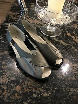 Sunways Pewter Leather Open Toe Shoes Size 8 • 15£