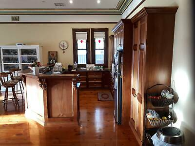 AU4950 • Buy Kitchen Package, Complete Used U Shape Kitchen, Second Hand, In Excellent Cond.