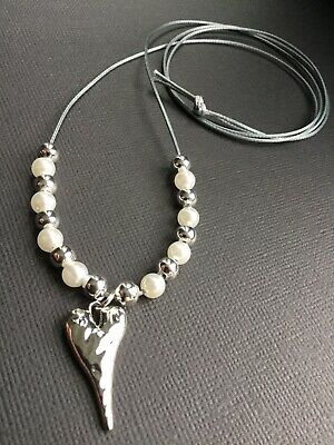 Long Silver Grey Cord Necklace With Hammered HEART Pendant And Pearls Lagenlook • 4.29£