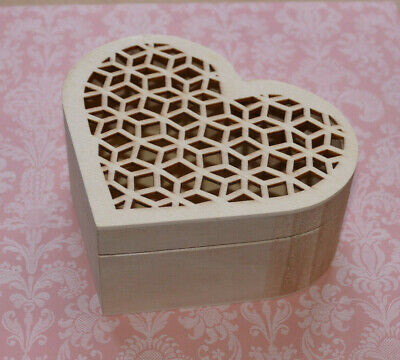 £5.75 • Buy New Natural Wooden Heart Shaped  Gift Box In 3 Styles To Choose Decoupage Paint