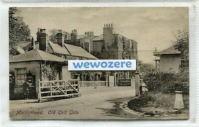 Maidenhead, Old Toll Gate. RPPC By S A Aldridge Of Maidenhead. Posted In 1907 • 2.99£