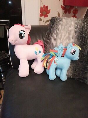 Two Mt Little Pony's Cuddly • 9.99£