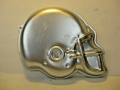 Wilton 2105-1029 Vintage Aluminum Football Helmet Cake Pan Mold Super Bowl NFL  • 17.79$