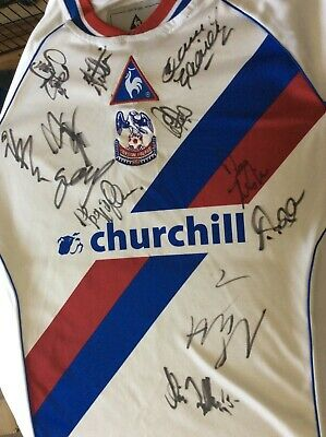 SHIRT - Crystal Palace With Autographs • 25£