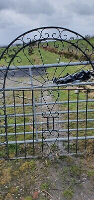 Used Driveway Metal Gates And Gate Posts • 6.90£