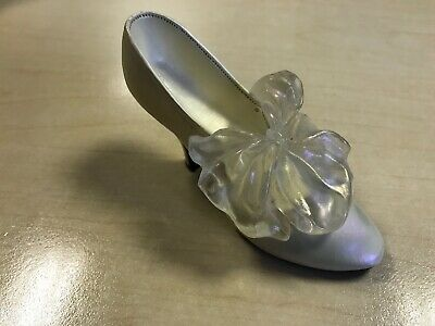 Just The Right Shoe - Tying The Knot, Raine Willitts Design 1998 • 0.99£