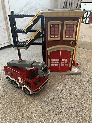 *** Fisher Price Imaginext Fire Station And Fire Truck Playset*** • 17£